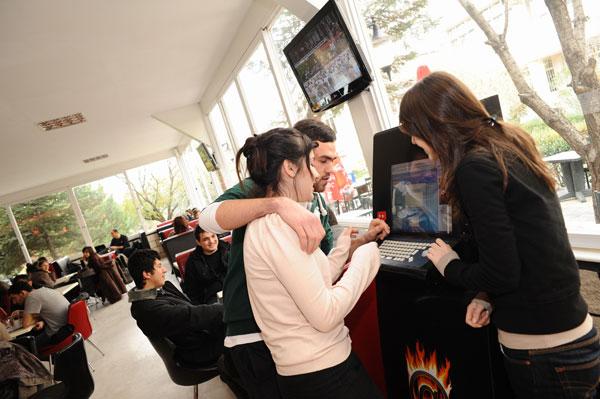 Cafe Bahçe / Marmara University